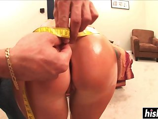 Darkhaired Cookie Knows How To Nail Proper - kimberly kole