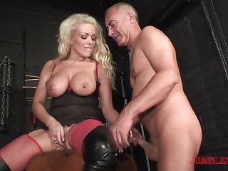 Blonde milf loves the older man's learn of in her ass