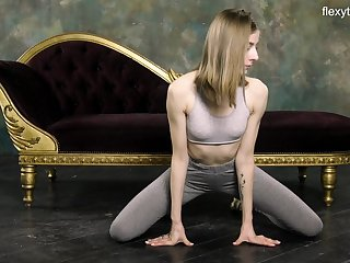 Russian gymnast Klara Lookova shows off yummy pussy and does someone's skin splits