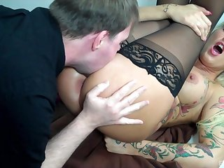 Deep anal be required of hammer away covetous MILF dimension she's acting in every direction naughty