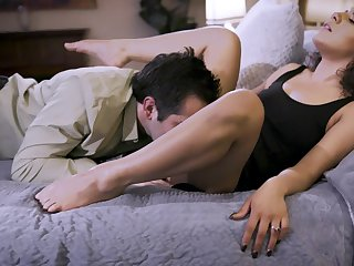 Seductive chick lands endless cock in both her holes