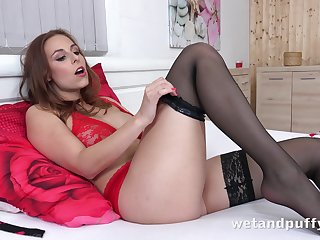 Antonia looks like she's ready to have some fun and she loves masturbating