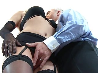 Vitalized blonde gets laid at hand fantasy scenes at hand an experienced male