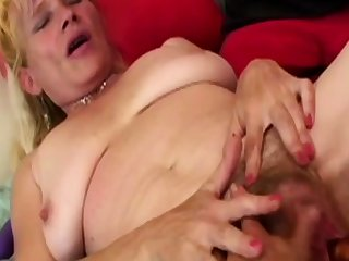 Two blondes in kinky lesbian punt